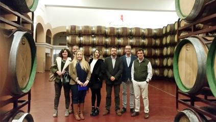 Bodegas y Viñedos Casa del Valle invita a las empresas asociadas a TCB a conocer sus instalaciones